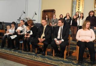 Gyermekbemutatás a Mindenki Templomában