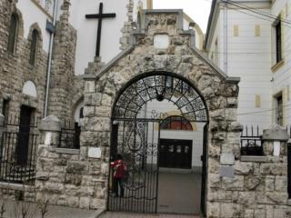 Részleges gyülekezeti újranyitás
